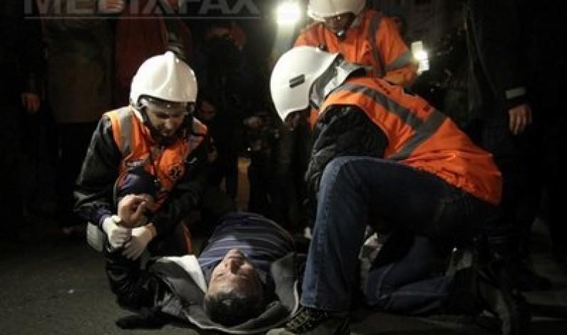 Protestatar lovit cu un ghiveci in cap la Sibiu