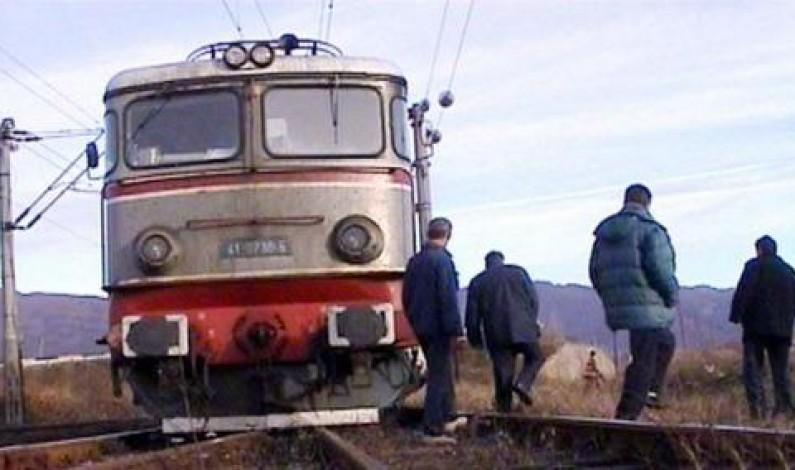 Un barbat s-a sinucis la Mediaş, aruncându-se în faţa trenului