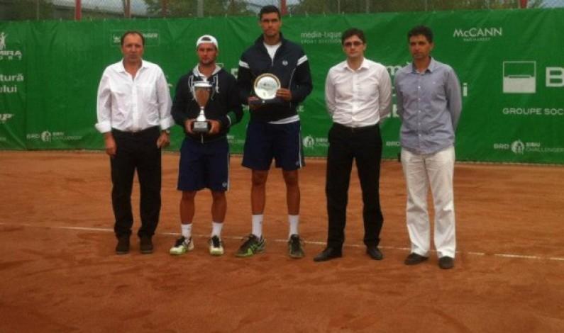 Adrian Ungur l-a învins pe Victor Hănescu în finala turneului ATP BRD Sibiu Challanger